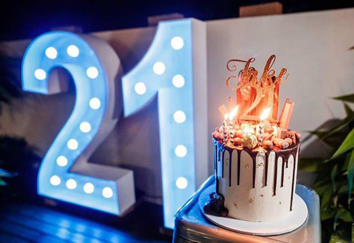 Blue Light Up Numbers '21'