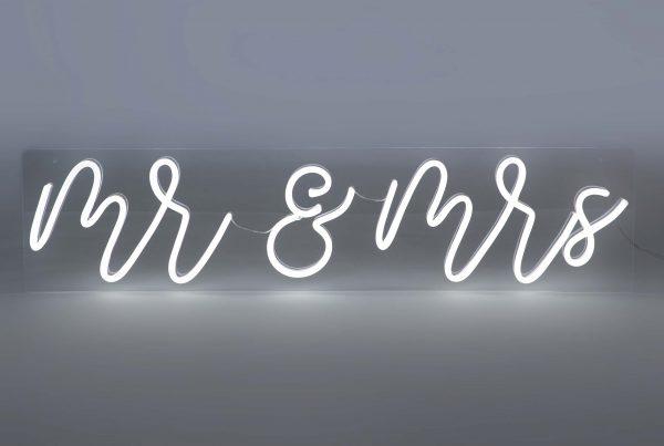 Neon 'Mr & Mrs'
